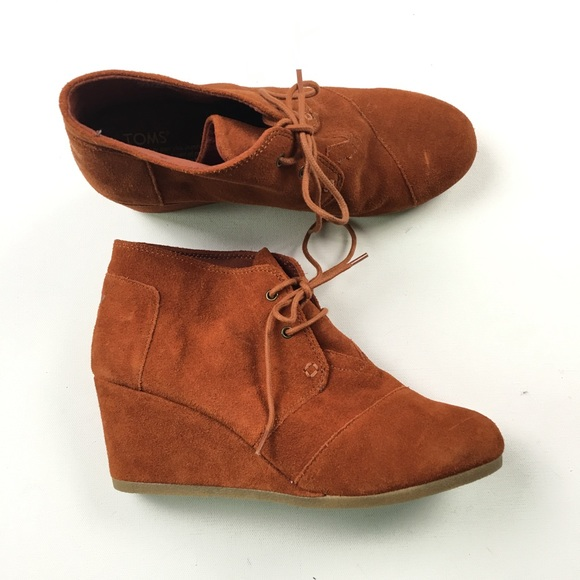 1f059162ba4 Toms Women s Jupiter Suede Wedges 10